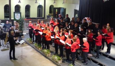 Ensemble Vocal VIVACE vu Käerjeng ënert der Leedung vum Ulric Evrard  . . . .(photo vum Chr. Parmentier)