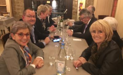la table du comité avec en premier plan Aline Meyers et Malou Steichen