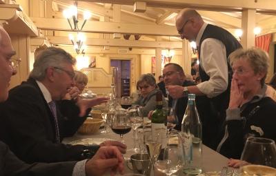 Nico Castermans discutant avec Christian Kirpes et sa femme Maggy